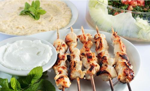 Entrée au choix, assiette de Borek (mixte ou végétarien) et dessert au choix pour 2 personnes