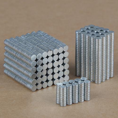 Aimant de terre rare 3x0.9mm 100 pieces
