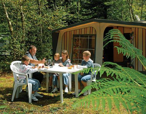 Saint Yvi - Bretagne - Camping Bois de Pleuven 4*