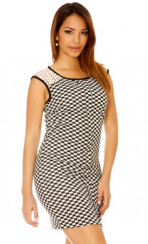 Superbe robe à motif noir et blanc avec dentelle aux épaules